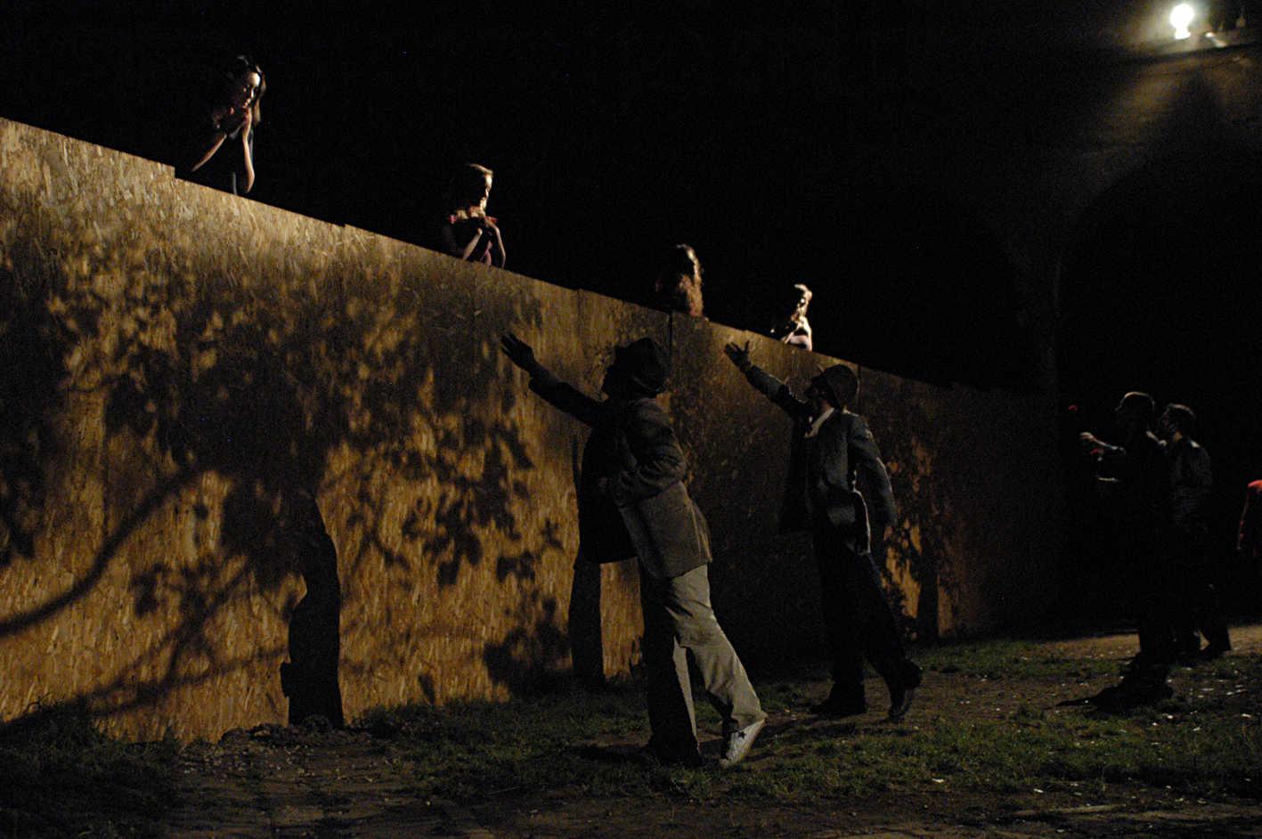 Break;2009;humanbeings (13)